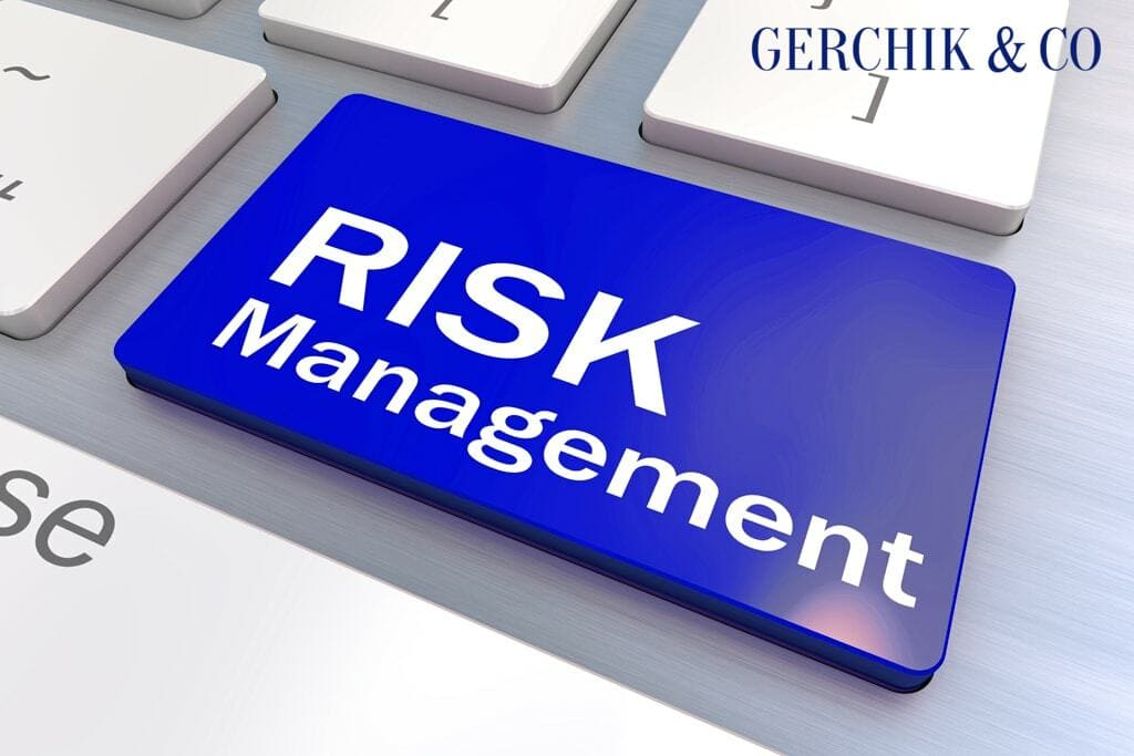 Risk Manager service: minimum risk for traders